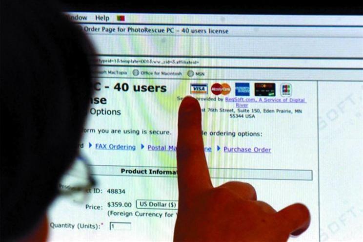Crianças e idosos são mais facilmente enganados na Internet