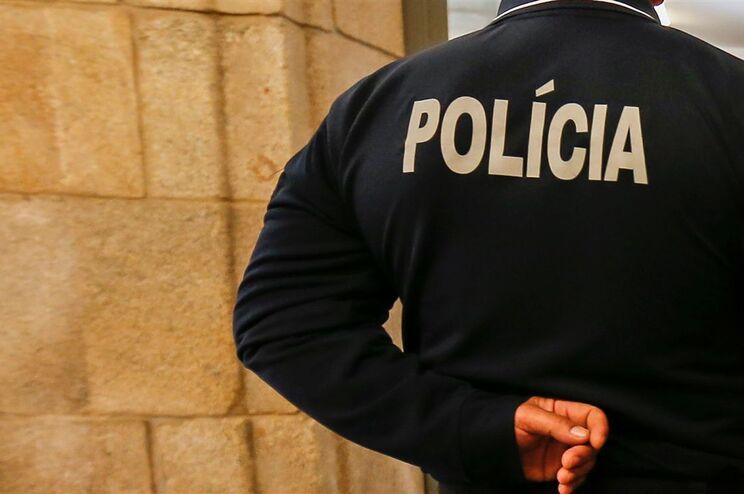 Relação absolve homem condenado por furto dentro de esquadra da PSP no Porto