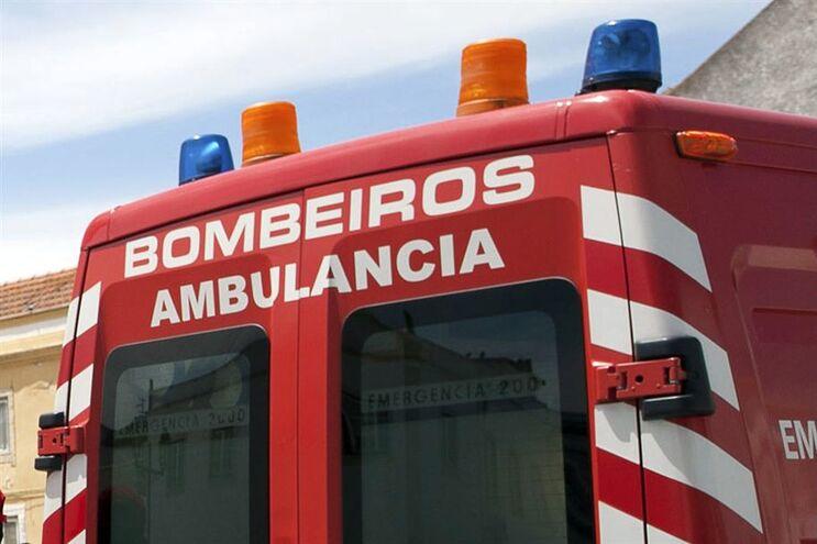 Bombeiros estiveram no local, mas não há registo de feridos