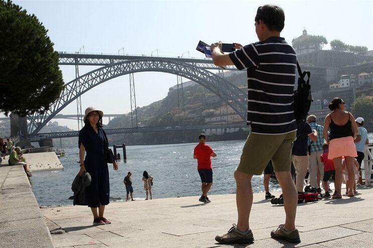 Turistas na Ribeira do Porto