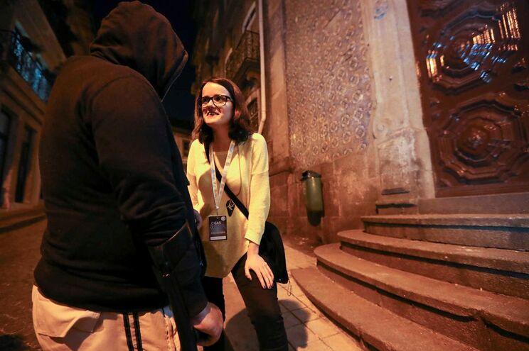 """António conversa com """"menina do GAS Porto"""", Isabel Pereira"""