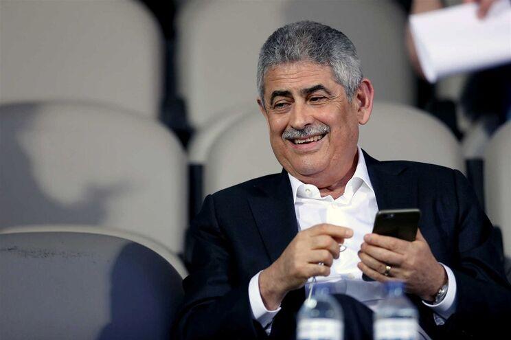 O Benfica gastou mais do que F. C. Porto e Sporting em comissões