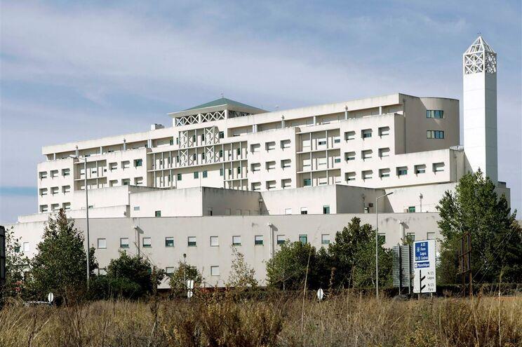 Britânica atacada com dois litros de ácido no Algarve está em estado grave