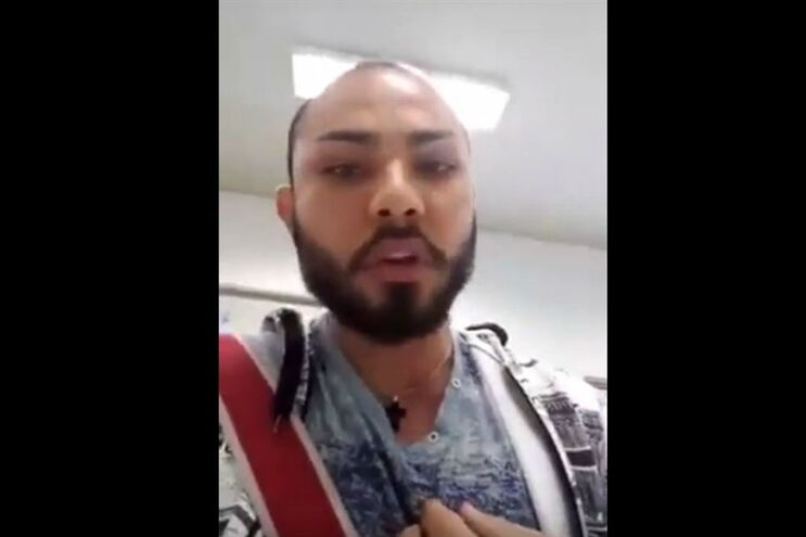 Jair Costa divulgou o vídeo na Internet