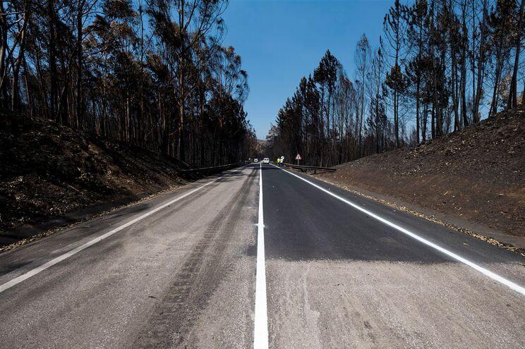 Estrada Nacional 236, onde morreram dezenas encurraladas pelo fogo