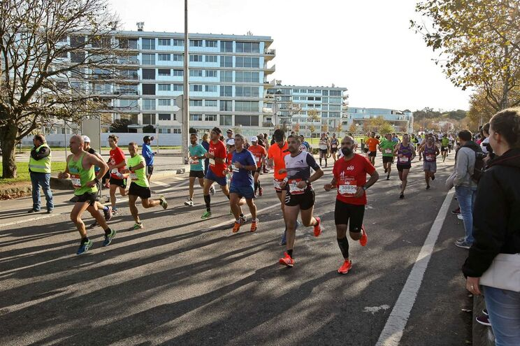 Porto 05/11/2017 - 14ª Maratona do Porto de Atletismo esta manhã com a meta no Queimódromo.( Global Imagens