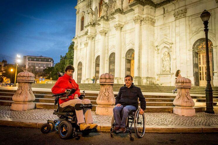 Em fevereiro, Salvador Mendes de Almeida e Carlos Nogueira demonstraram ao JN as dificuldades de acesso