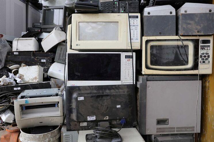 Volume de lixo eletrónico no mundo aumentou 8% entre 2014 e 2016
