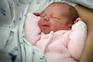 A primeira bebé de 2017 a nascer em Aveiro, no hospital Infante Dom Pedro, chama-se Safira