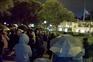 Dezenas em vigília junto ao Palácio de Belém no primeiro de três dias de luto nacional