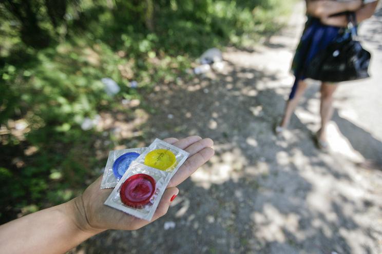 Autoridade de saúde recomenda não lavar nem reutilizar preservativos