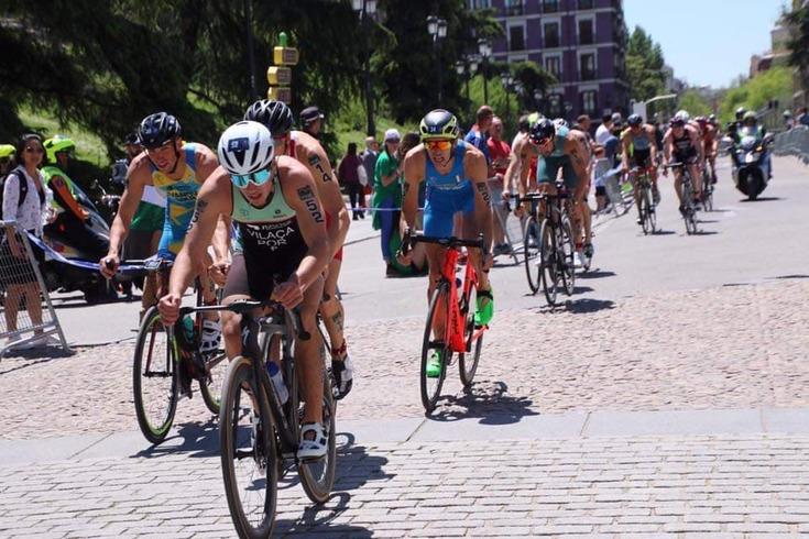 Adiada prova de qualificação olímpica de estafetas de triatlo