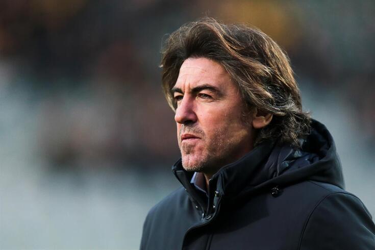 Oficial: Sá Pinto é o novo treinador do Vasco da Gama