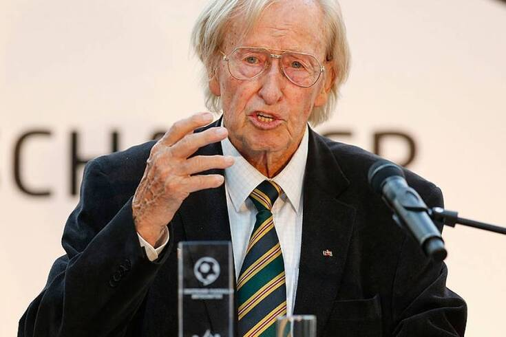 Morreu, aos 93 anos, treinador recordista mundial