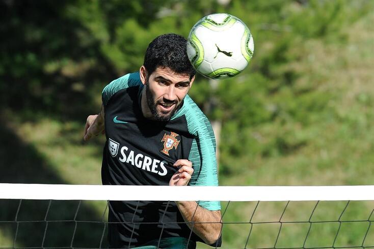 Neto assinou pelo Sporting até 2022