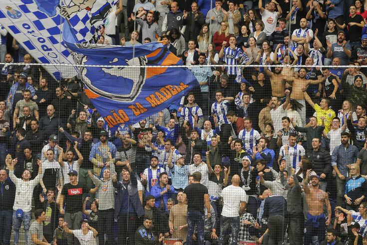 """FC Porto realça dignidade face a """"insultos de quem veio de fora"""""""