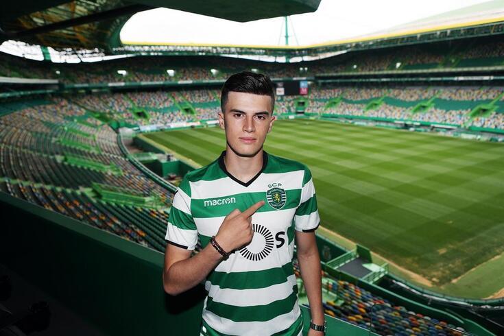 Sporting apresenta João Queirós para a equipa sub-23