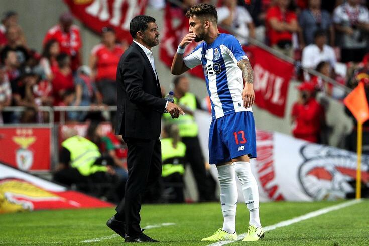 Alex Telles é um jogador imprescindível para Sérgio Conceição