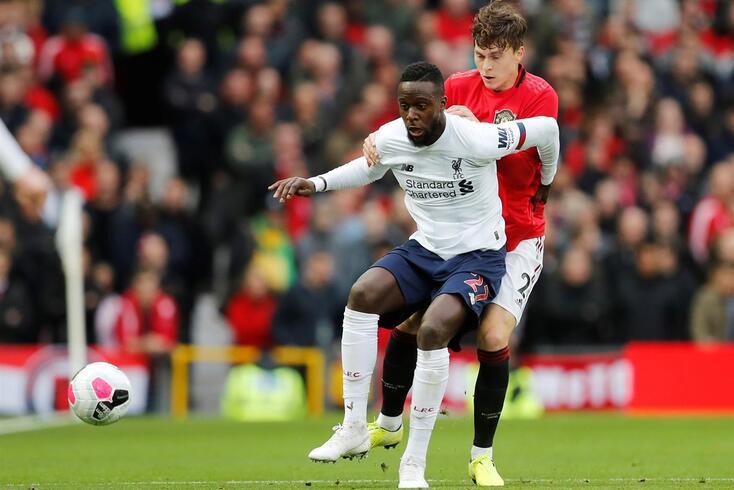 Liverpool mandou retirar faixa racista dos próprios adeptos dirigida a Origi