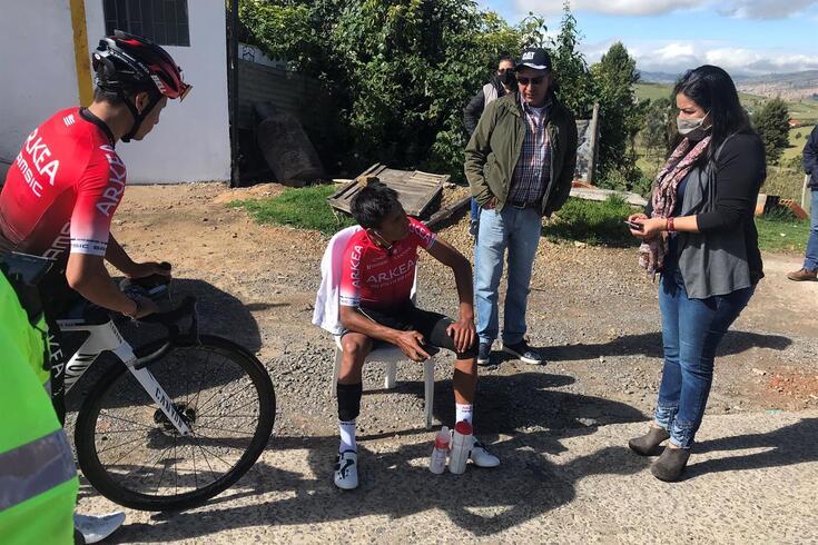 Nairo Quintana atropelado em treino de preparação para o Tour