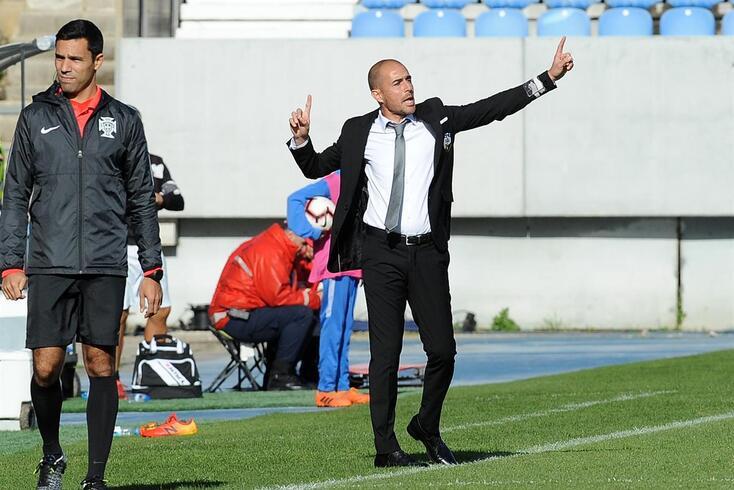 Farense anuncia saída do treinador Rui Duarte