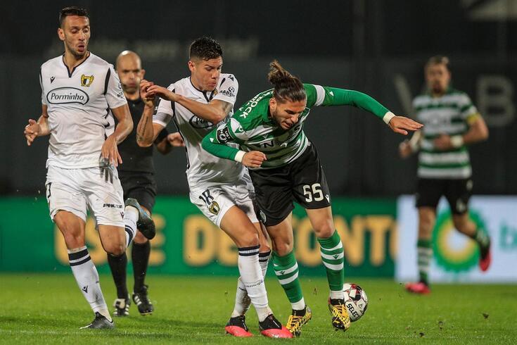 Avançado do Sporting reintegrado no Almería enquanto espera por decisões