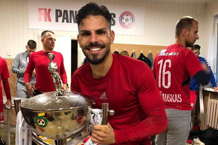 Além do treinador, mais um português ganha a Taça da Lituânia