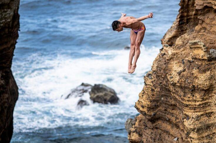 Foi o mar açoriano quem liderou esta etapa do RedBull Cliff Diving