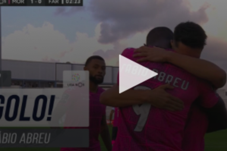 Fábio Abreu abriu o marcador do Moreirense-Farense