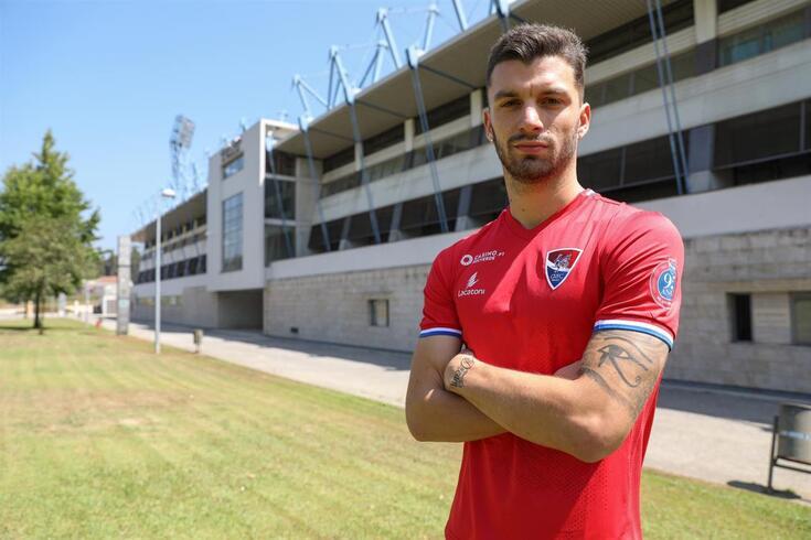 Oficial: Gil Vicente reforça defesa com internacional luxemburguês