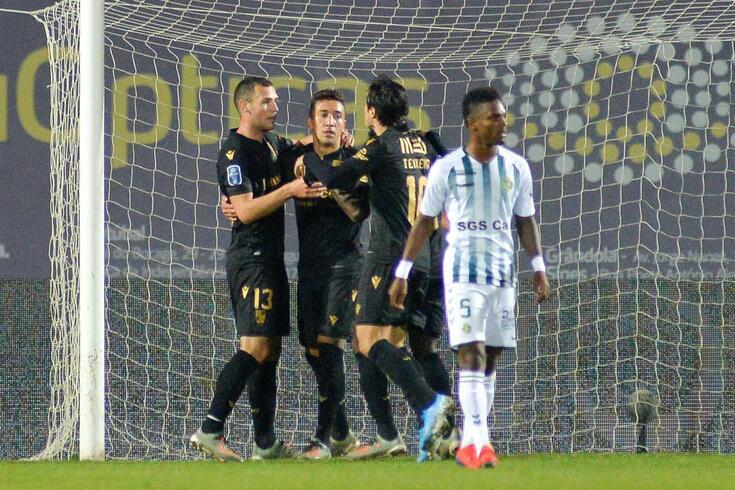 O V. Guimarães venceu o V. Setúbal por 2-0, no Bonfim.