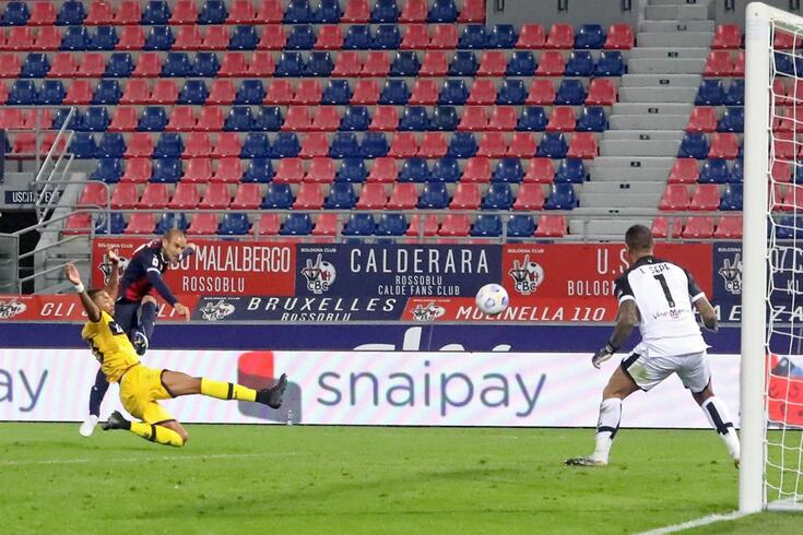 Parma foi goleado em Bolonha