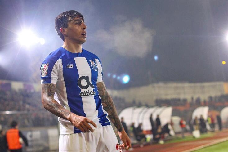 Renzo Saravia, lateral argentino que está ligado ao FC Porto