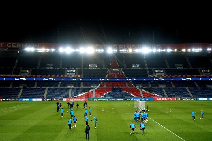 Paris é palco de um dos jogos de maior cartaz da ronda