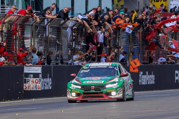 Tiago Monteiro é o novo rei português do Nürburgring