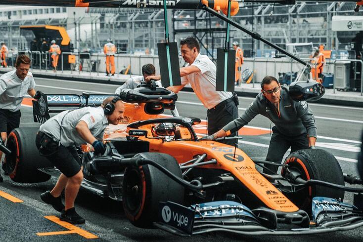 Carlos Sainz, piloto da McLaren e que vai representar a Ferrari