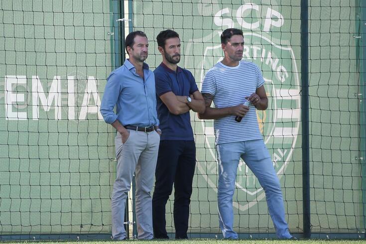 Hugo Viana, ao centro, com Frederico Varandas e Beto