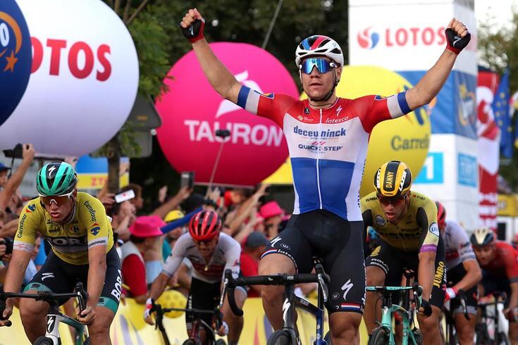 Fabio Jakobsen foi o mais forte no sprint