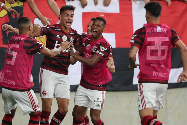 Reinier marcou o primeiro golo do Flamengo diante do Bahia.