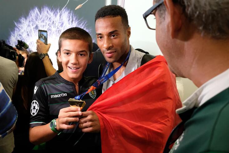 Nelson Évora já sabe o que é ser campeão olímpico
