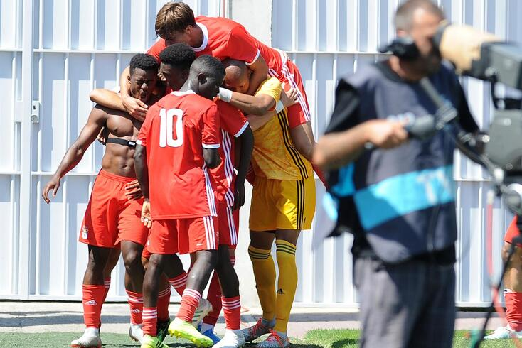 Benfica derrotou o Estoril
