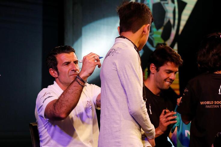 """Figo admite tornar-se presidente e sobre Sergio Ramos atira: """"Merece a Bola de Ouro"""""""