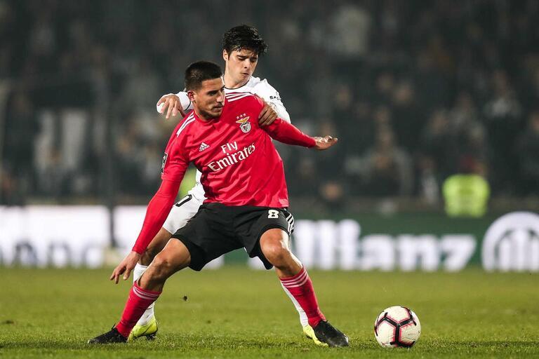 Gabriel recusa estatuto e traça diferenças entre Rui Vitória e Bruno Lage d088129066c60