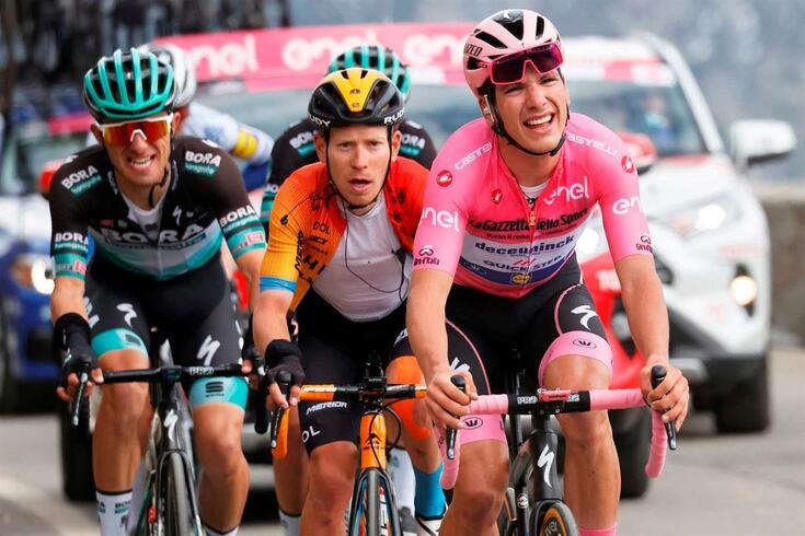 João Almeida, aqui com a camisa rosa do Giro, ciclista português de Dikionink-Kwikstep
