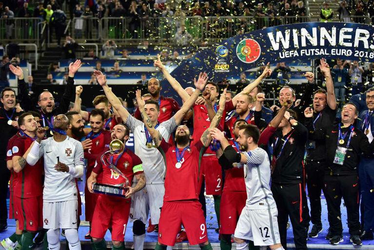 De Ronaldo ao Canadá  as reações ao título europeu de Portugal 2b5fe8b47ff75