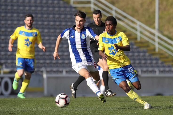 Fábio Vieira integrado nos trabalhos do plantel principal do FC Porto