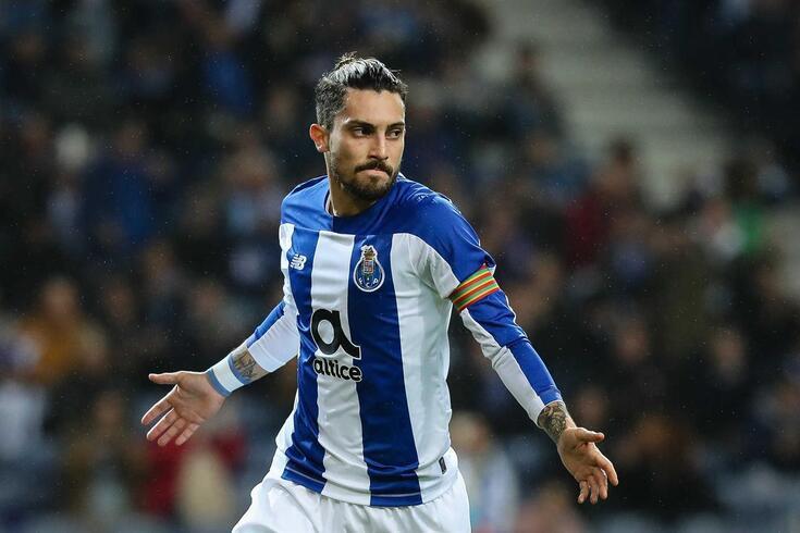 Alex Telles atravessa grande momento de forma no FC Porto