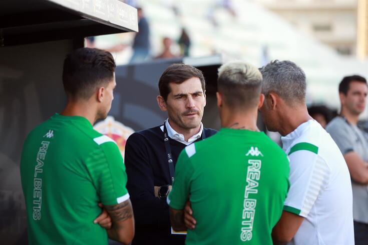 Casillas reviu caras conhecidas no Algarve