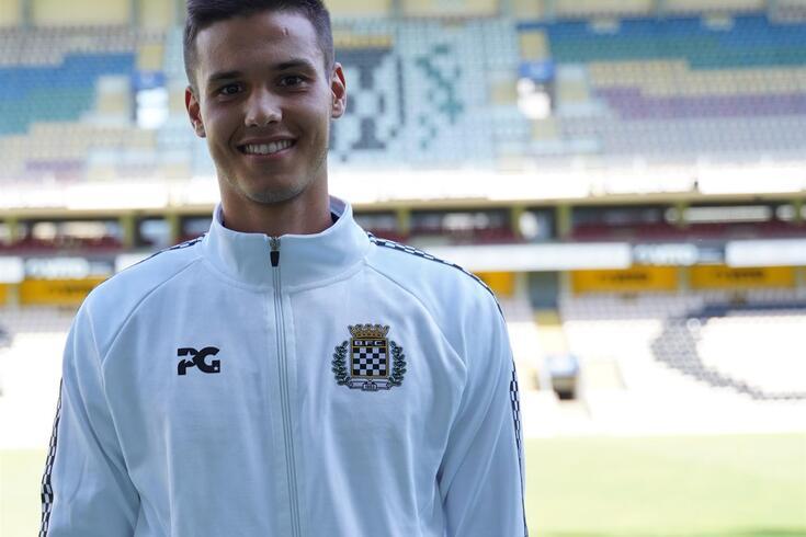 Oficial: Miguel Reisinho troca V. Guimarães pelo Boavista