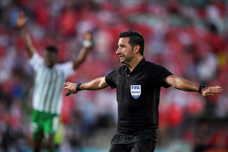 Hugo Miguel foi o árbitro do Rio Ave-Benfica.